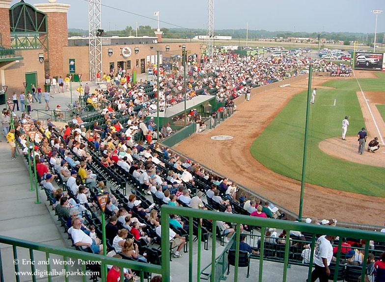 Gcs Ballpark Fmr Gmc Stadium Sauget Illinois Home Of The Gateway Grizzlies Frontier