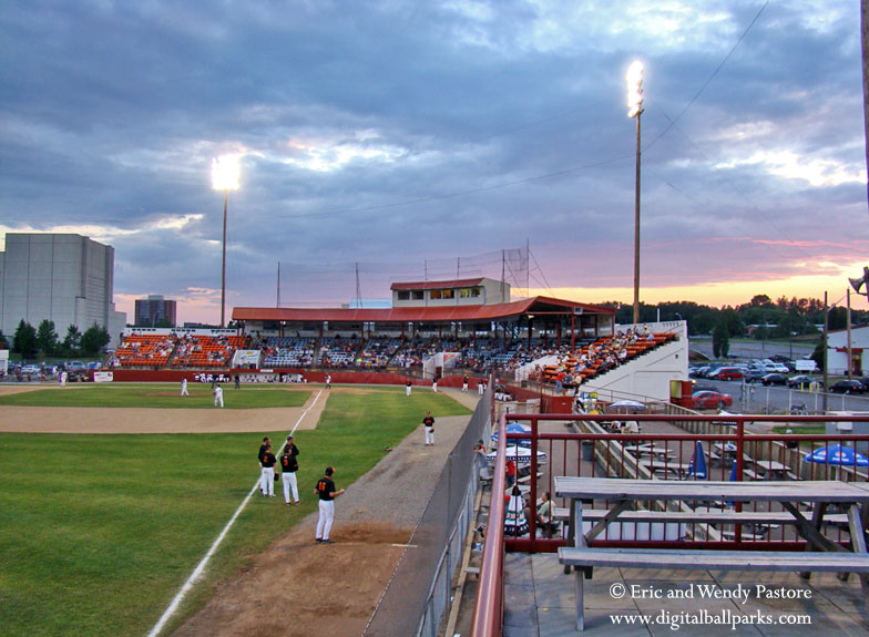Port Arthur Stadium In Thunder Bay Ontario Home To The